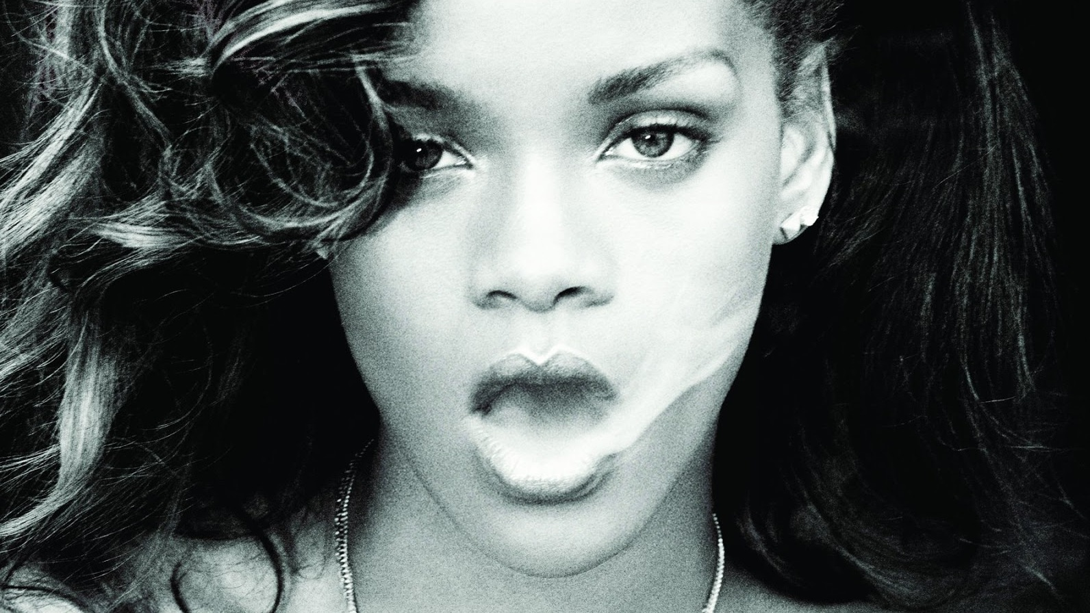 Rihanna smoke