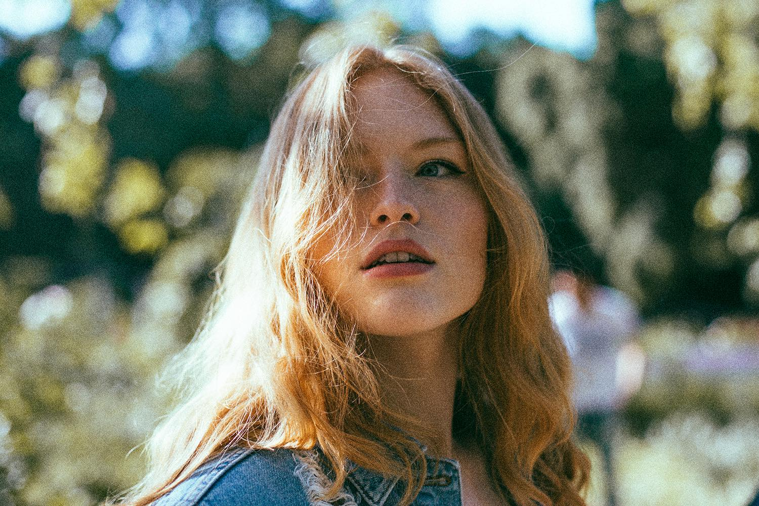 'A great look for all independent labels': Freya Ridings breaks into UK chart Top 10