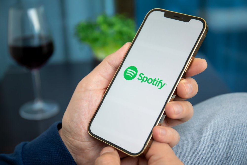 Spotify subscriptions grew to 155m in 2020, Monthly Active Users topped 345m – Music Business Worldwide