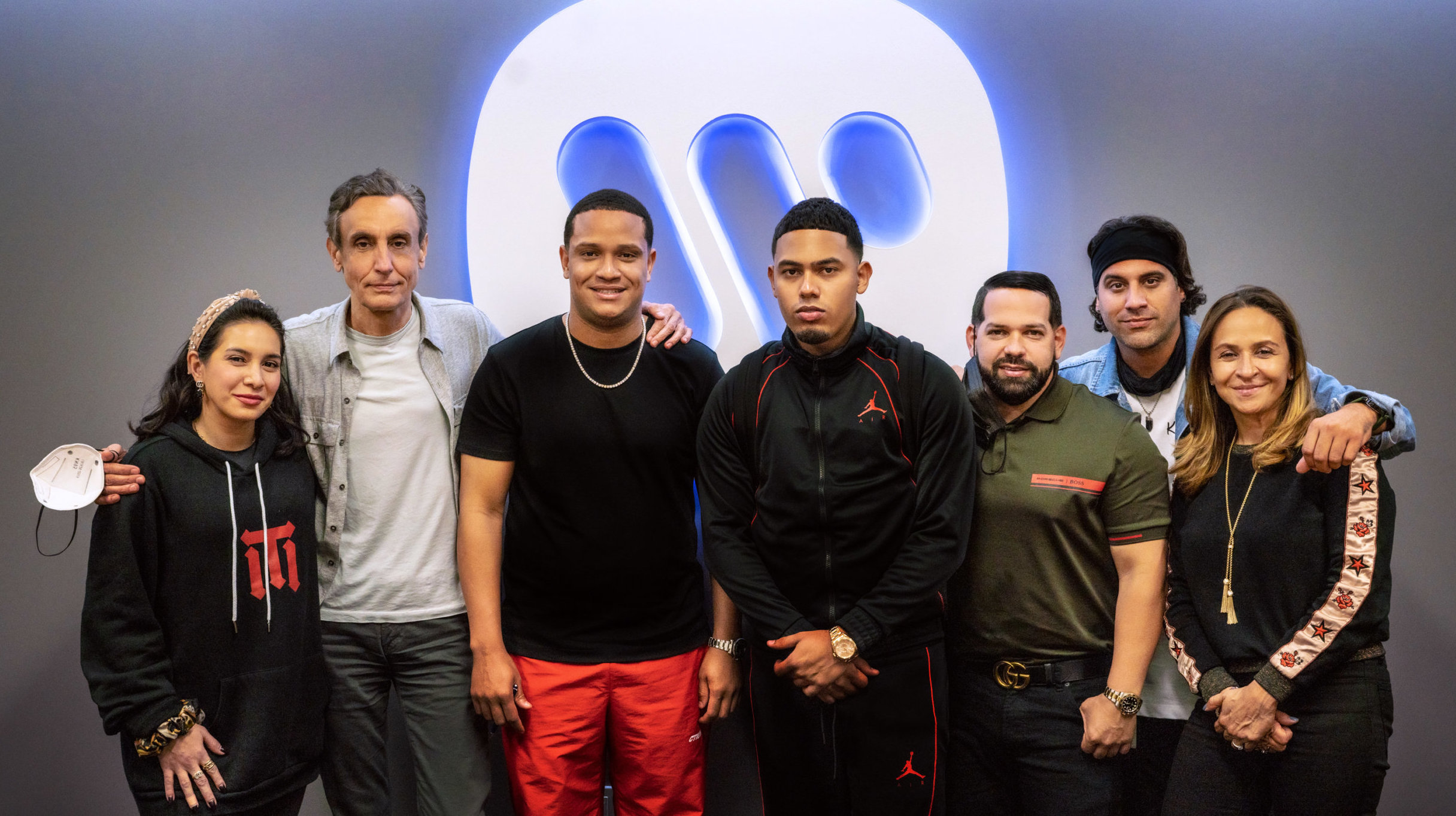 Warner Latina and Warner Records ink exclusive global deal with Latin superstar Myke Towers – Music Business Worldwide