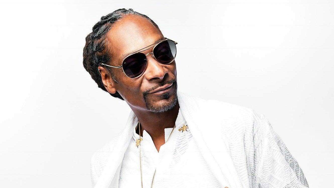Snoop Dogg to headline virtual festival on VenewLive – a livestream platform backed by HYBE, home of BTS – Music Business Worldwide